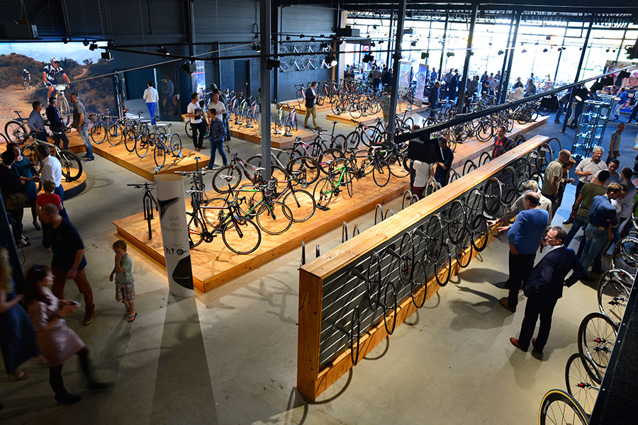 Opening Cycle Center 53-11 in Zaltbommel