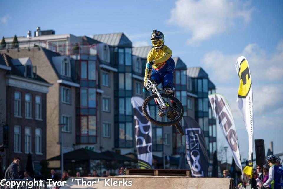 Magura's Best Trick Contest tijdens City Downhill Nijmegen stad