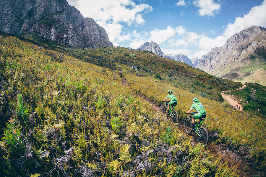 Ironman neemt de Cape Epic Mountain Bike Race over