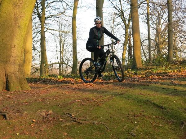 Biken door de bossen van Den Haag
