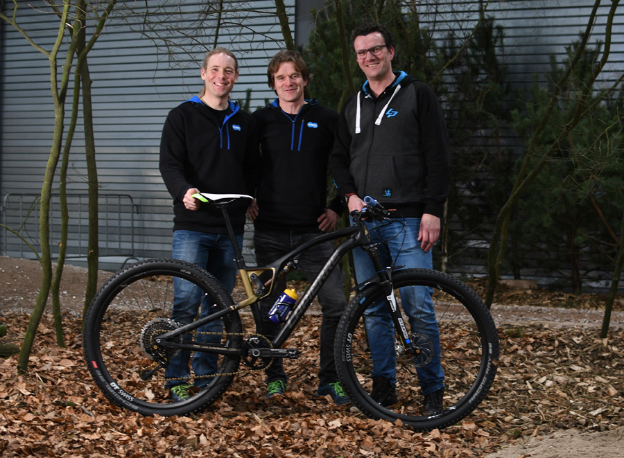 KMC mountainbiketeam op Lapierre mountainbikes